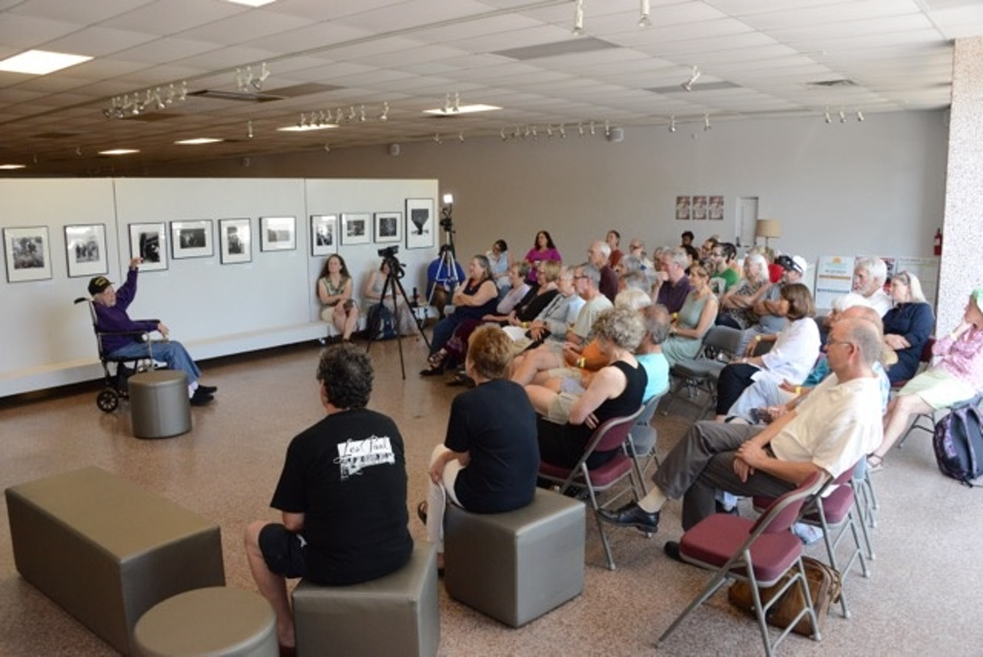 Art-Shay-crowd-at-his-talk-during-Nelson-Algren-Festival-2016-06-25